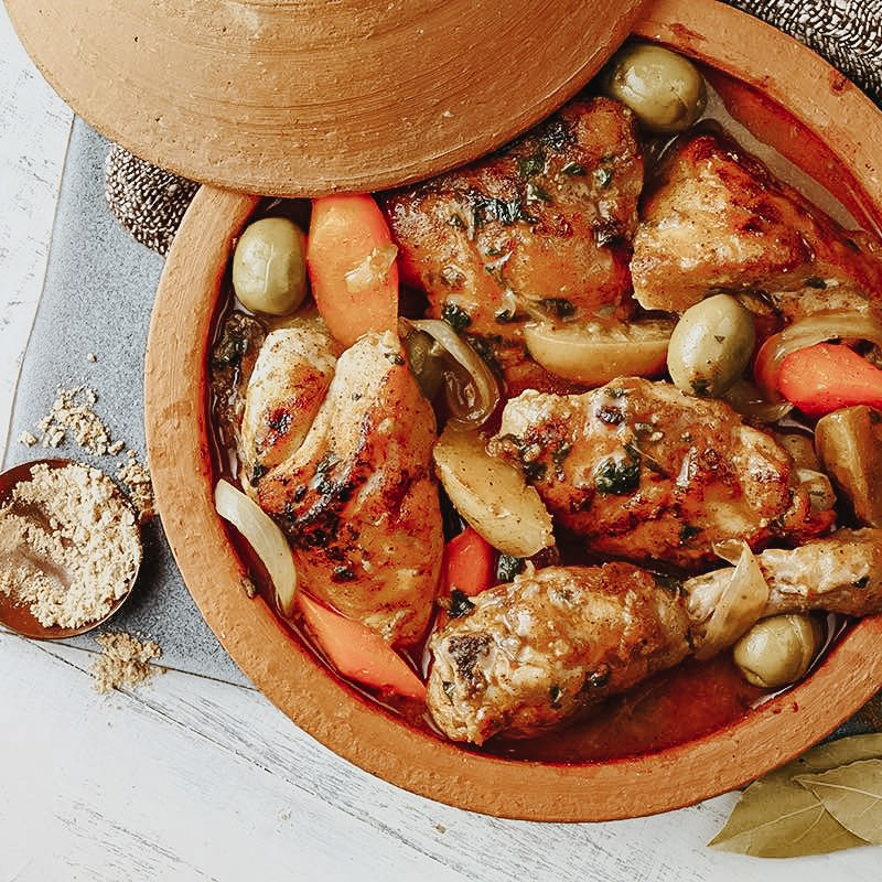 Guisado De Pollo Con Aceitunas